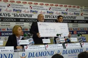 """Европейският шампион Иво Ангелов получи голям чек от """"КТБ"""" АД"""