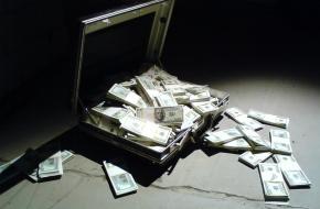 Нови 100 милионери в България за 2013