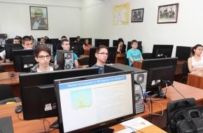 Платформа на МОН ще помага на учениците да си намерят работа